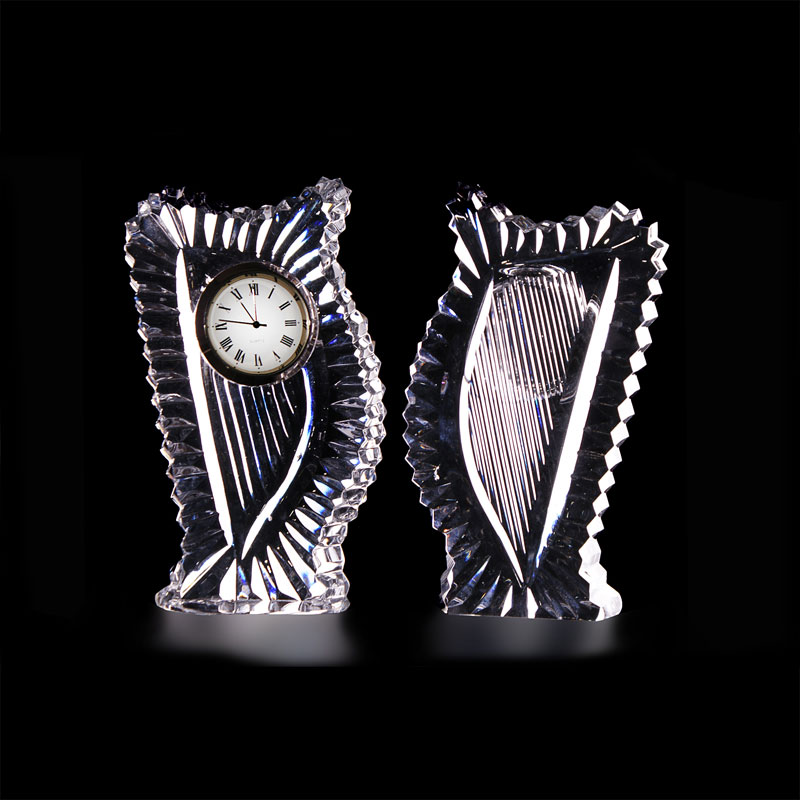 Harp shaped clock